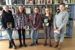 Die Klassensieger im Vorlesewettbewerb: Gloria Gabriel (6c), Lisann Heinemann (6d), Finn Caspers (6f), Finia Fißeler (6b), Lena Berg (6b)