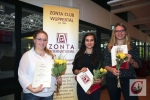 von links: die diesjährigen Preisträgerinnen Hanne Schacht (1. Platz), Roya Banaeian und Tina Horky (beide 2. Platz)