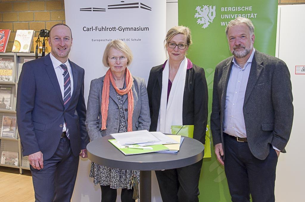 Kooperationsvertrag Uni CFG-1
