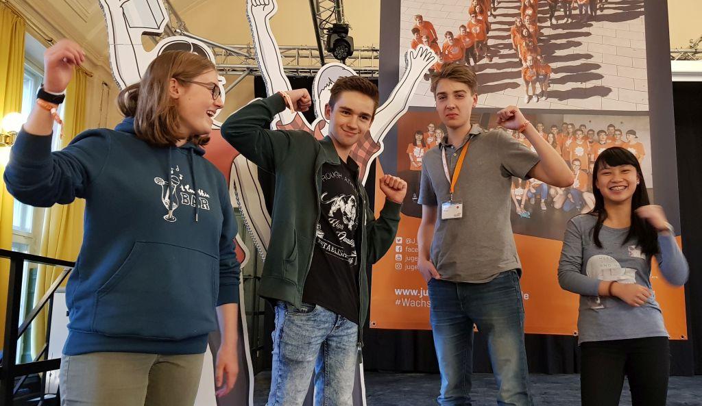 Die vier CFG-Finalisten (von links nach rechts: Johanna Thielemann, Aaron Schnütgen, Justus Fleisch und Thuy Nguyen)