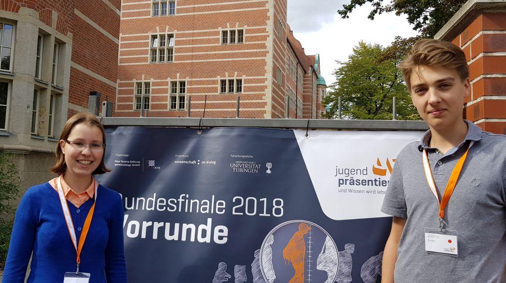 Katharina Tscheu (links), Finalstin des Vorjahres, war diesmal in der Jury tätig.